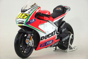 Ducati Desmosedici, Valentino Rossi No.46, Grand Prix 2012, scale 1:10 in Race Colors by Maisto, miniature diecast scale model bike