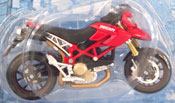 Ducati Hypermotard 1100 S, scale 1:18 in Red by Maisto, miniature diecast scale model bike