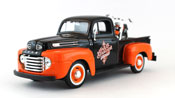 Ford F-1 Pickup 1948, scale 1:24 in Black-Orange + Harley Davidson bike by Maisto, diecast miniature scale model car, pickup truck