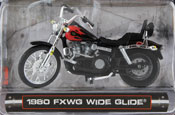 FXWG Wide Glide 1980, scale 1:24 in Red-Black by Maisto, miniature diecast scale model bike.