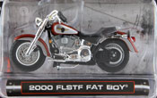 FLSTF Fat Boy 2000, scale 1:24 in Orange-Silver by Maisto, miniature diecast scale model bike.