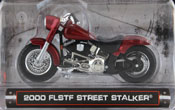 FLSTF Street Stalker 2000, scale 1:24 in Red by Maisto, miniature diecast scale model bike.