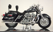 FLHRSEI CVO Custom 2002- Harley Davidson, scale 1:18 in Blue-Silver by Maisto, miniature diecast scale model bike