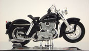 K-Model 1952, Harley Davidson, scale 1:18 in Black by Maisto, miniature diecast scale model bike