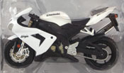 Kawasaki Ninja ZX-10R, scale 1:18 in White by Maisto, miniature diecast scale model bike
