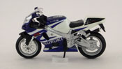 Suzuki GSX R750, scale 1:18 in Blue-White by Maisto, diecast scale model bike