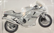 Triumph 955i Daytona, scale 1:18 in Silver by Maisto, miniature diecast scale model bike