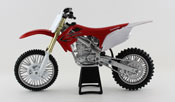 Honda CRF 250R, scale 1:12 in Red-White by NewRay, diecast miniature scale model dirt bike.