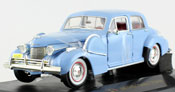 Cadillac Fleetwood 60 Special 1940, scale 1:32 in Light Blue by Signature Models, diecast miniature scale model car.